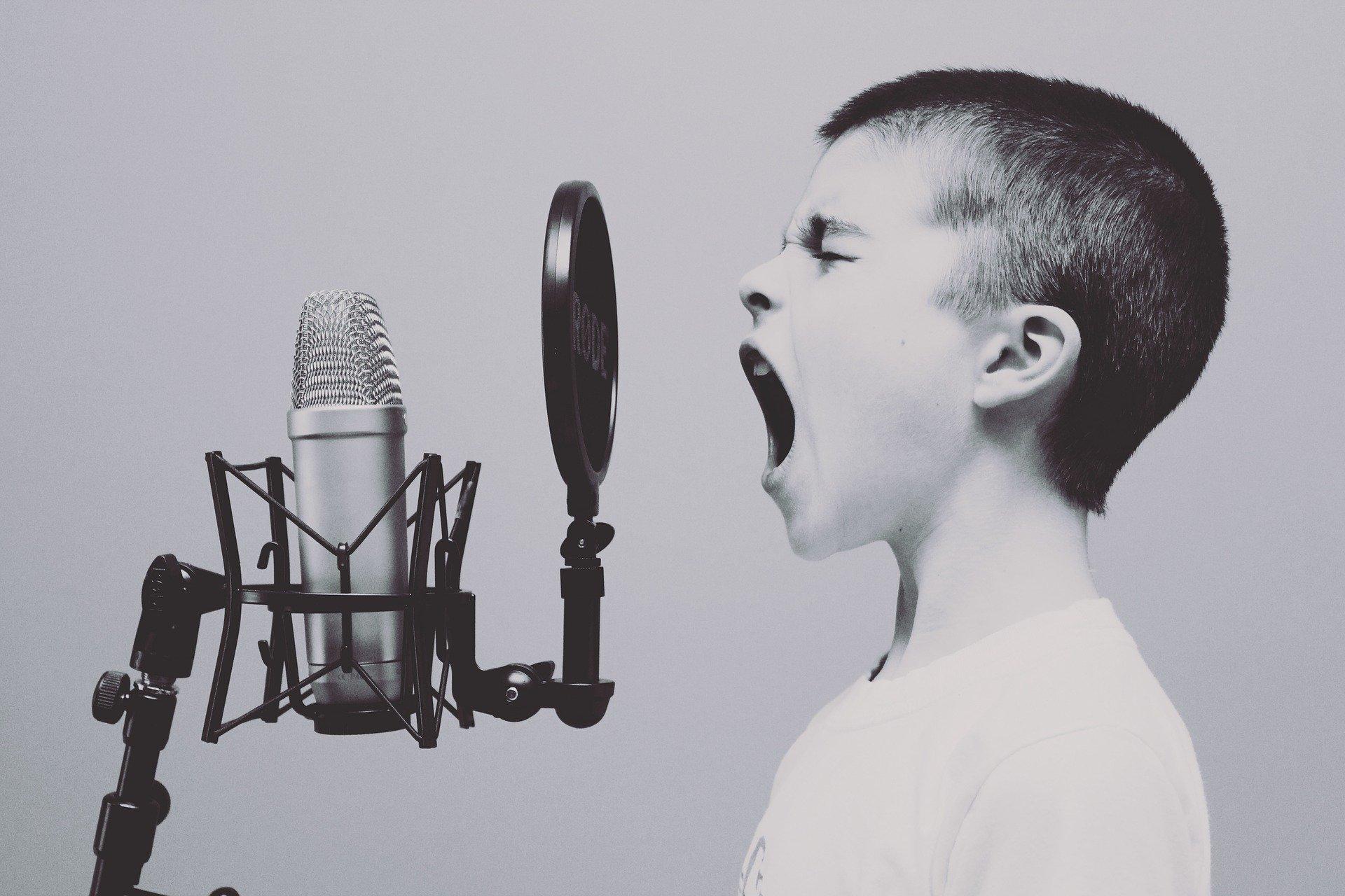 microphone 1209816 1920